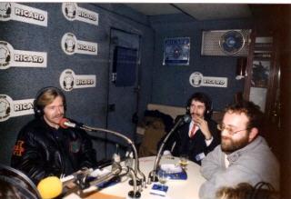 Radio PILE en partenariat avec RICARD interview de Pierre BILLON dans le car podium.