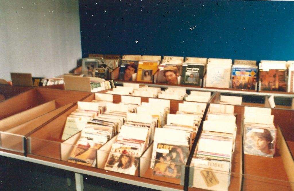 Radio PILE salle des disques Maisons des Associations à PRIVAS